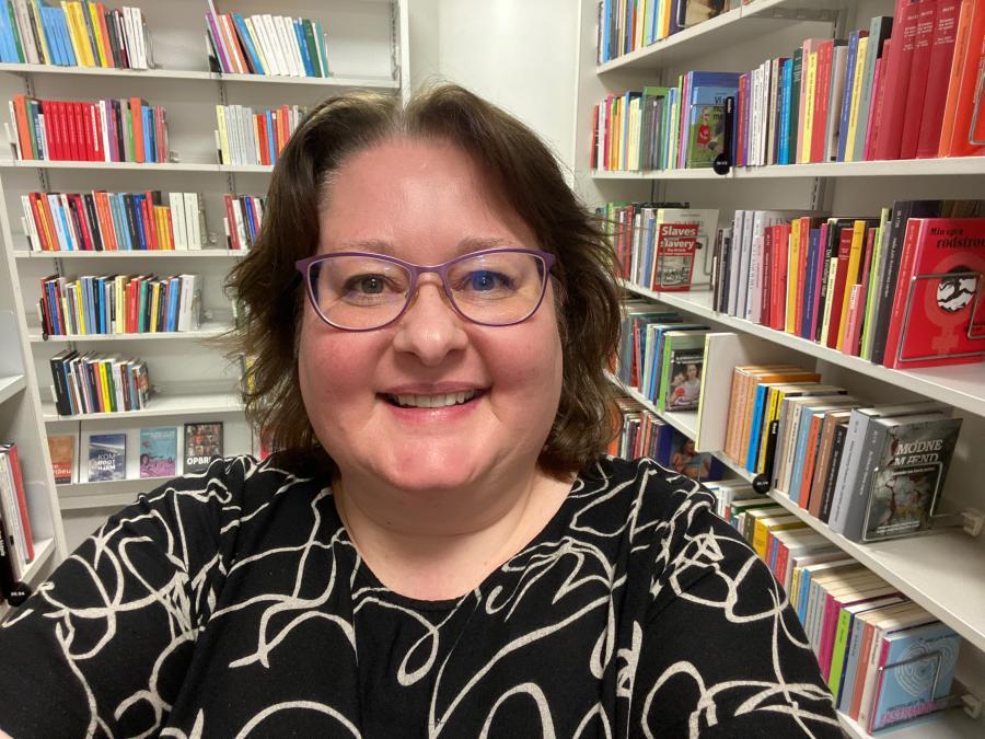 Foto af bibliotekar Ulla Andersen, SIlkeborg Bibliotekerne